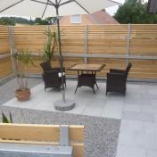 01+31 Hs. 17 Terrasse mit Möbel fertig (2)