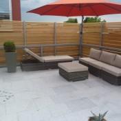 01+31 Hs. 17 Terrasse mit Möbel fertig (5)