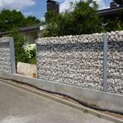 Sichtschutz in Steinwand integriert (2)
