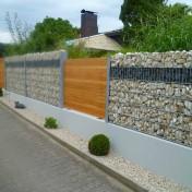 Sichtschutz in Steinwand integriert (5)