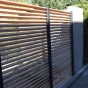 Sichtschutz mit Türe (3)