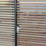 Sichtschutz mit Türe (5)